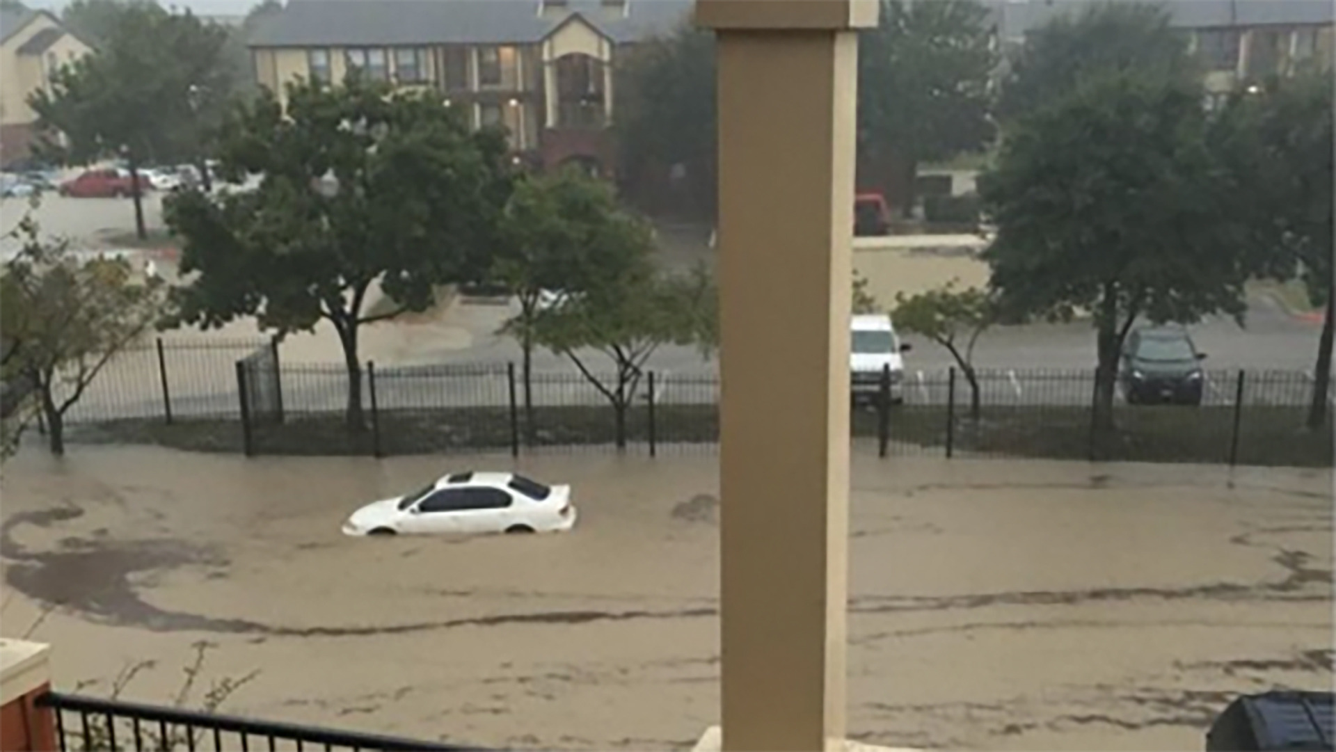 an overview of the flash flooding in texas Greg abbott says the damage caused by flash-flooding in central texas is absolutely devastating he stressed that communities downstream need to monitor flood levels and take seriously the threat of the ongoing storms the governor added 24 counties to his state disaster.