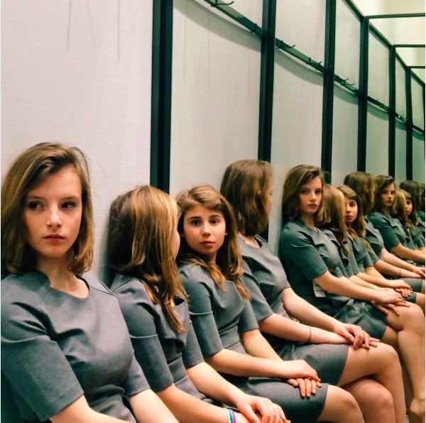 How many girls are in this Instagram photo?